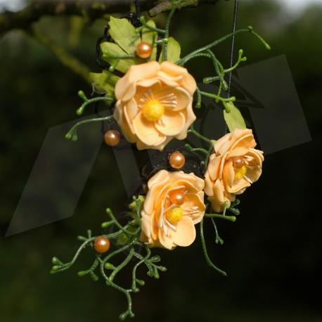 náhrdelník, květinový, laděný do oranžového odstínu