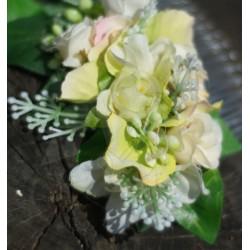 hřebínek do vlasů, s letními květy, laděný ve smetanovém a zelenkavém tónu